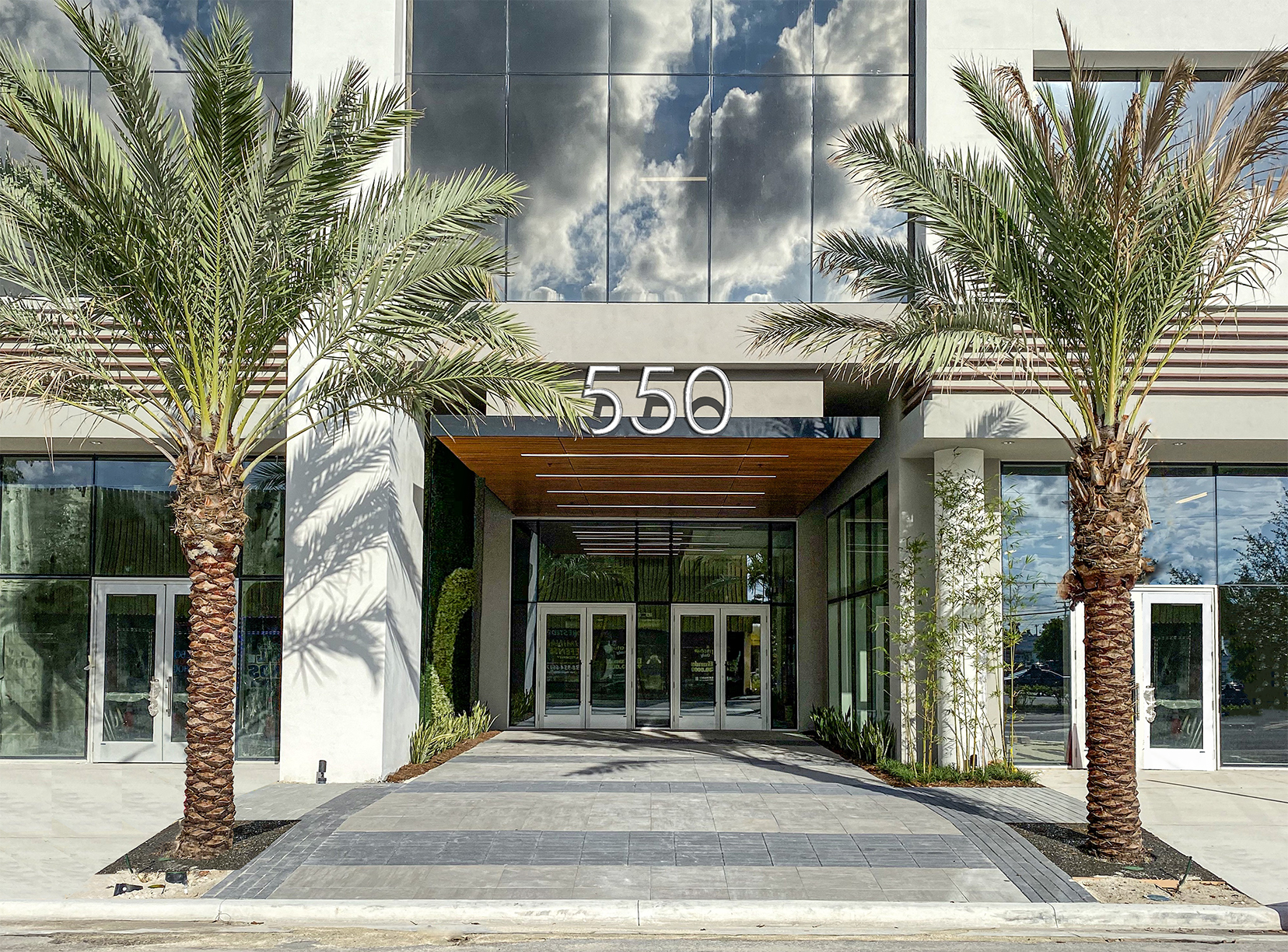 Berger Commercial Realty Brokers Five-Year Lease Deal With Bank OZK; 550 Building In Downtown Fort Lauderdale Provides Ideal Location  And High Parking Ratio